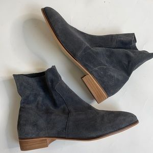 Dr. Scholl's Original Collection Gray Suede Boots